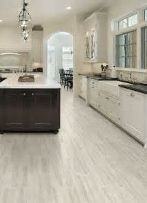 Vinyl Kitchen Flooring Ideas by 25 Best Ideas About Vinyl Flooring On Vinyl