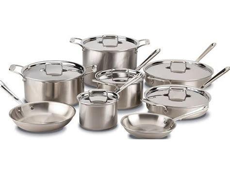 Top Cookware: Wedding Registry Essentials for 2016