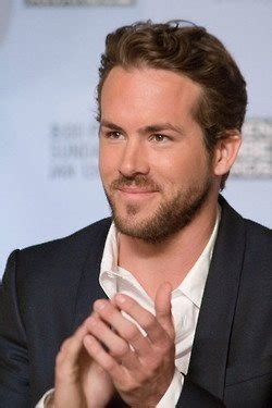 celebrities in their 30 s who are some gorgeous hollywood actors in their 20s or