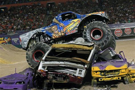 monster truck jam miami miami florida monster jam february 8 2014