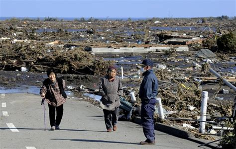 earthquake singapore singaporeans continue to help japan recover from quake