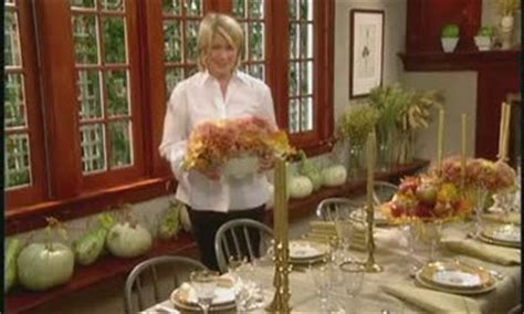 how to set a thanksgiving dinner table how to table runners martha stewart