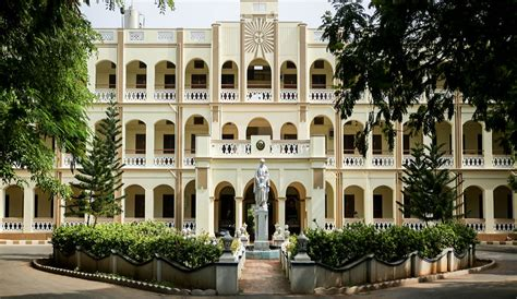 Mba Courses Offered In Loyola College Chennai by Loyola College Chennai Admissions Contact Website