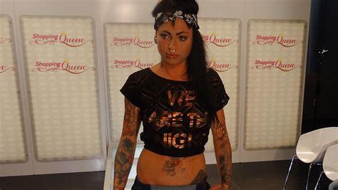catwalk tattoo shopping queen lisa setzt ihre tattoos auf dem catwalk in