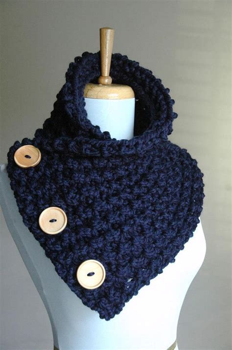 chunky knit navy blue button scarf with wood buttons