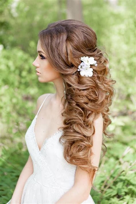 Wedding Hairstyles Wavy by Best 25 Wavy Wedding Hairstyles Ideas On