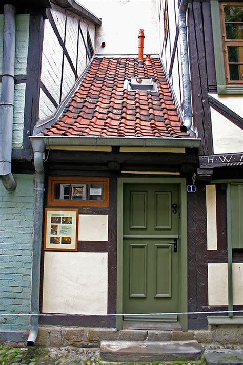 haus quedlinburg das kleinste haus foto bild deutschland europe