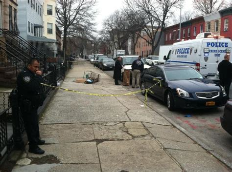bed stuy crime man s body discovered on bed stuy street bed stuy new