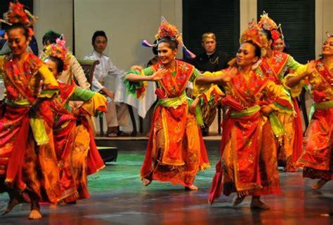 inilah  tari tradisional  indonesia  terkenal