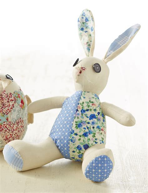 Patchwork Rabbit Pattern - how to make a patchwork easter bunny hobbycraft