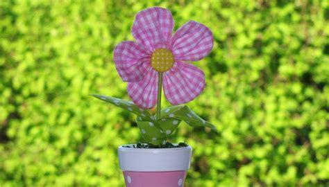 fiori di stoffa come fare fiori di stoffa fai da te brico come realizzare fiori