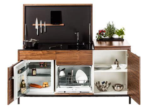 Supérieur Cuisine Compacte Pour Studio #4: maminicuisine-Noyer-ouvert-et-portes.png