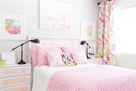 pink and blue room