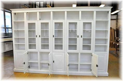wohnzimmerwand echtholz wos 27 w schrankwand bibliotek massivholz landhausstil weiss