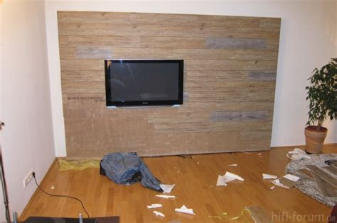 laminat wandbefestigung wohnzimmer dekor fernseher