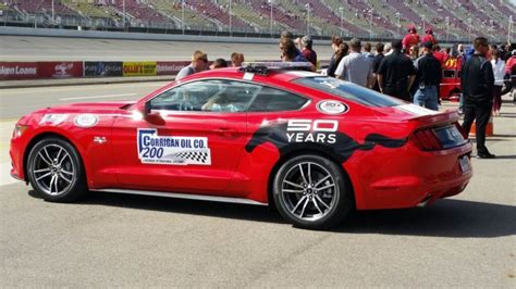 2015 ford mustang gt is pace car for nascar cup race at