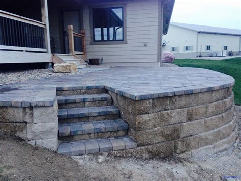 Paver Patio With Retaining Wall Raised Patio And Retaining Wall Tmg Enterprises Omaha Ne
