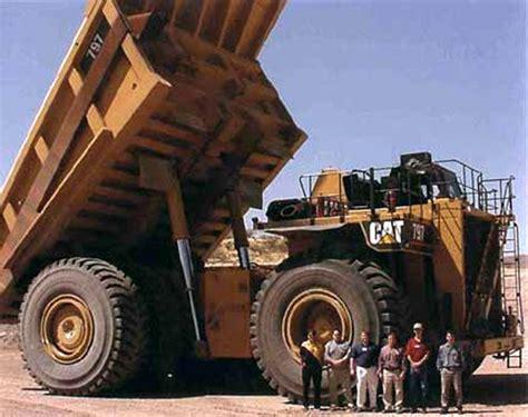 mega dump truck caterpillar building 700 ton completely automatic mega