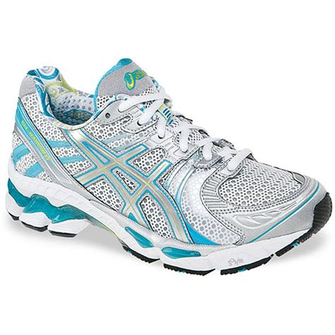 buying running shoes tips on buying s running shoes overstock
