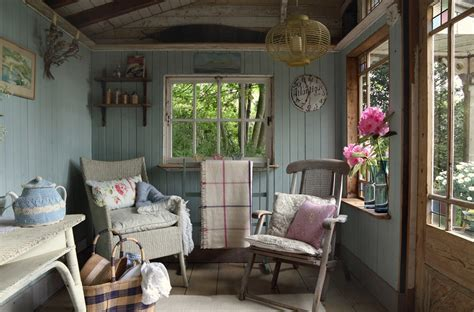 cottage interior design small island cottage with a traditional interior digsdigs