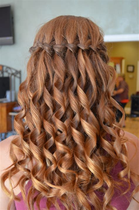 cute hair styles with the ends curled follow this step by step tutorial to get the perfect