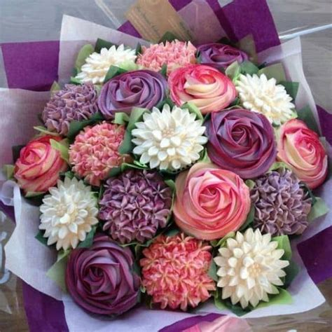 Floral Arrangement Cupcake Tutorial | cupcake bouquet tutorial with video the whoot