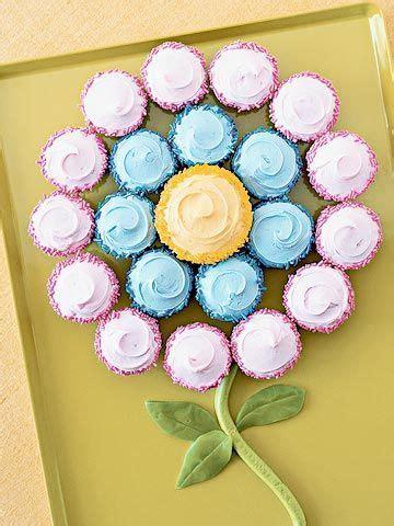 ideas  flower cupcake cake  pinterest original bridal shower presents pull