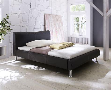 schlaf betten günstig design lederbett polsterbett in farbe weiss schwarz mit
