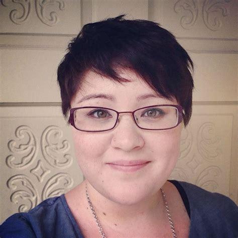 short hair fat face 56 choppy layered pixie round face short pixie