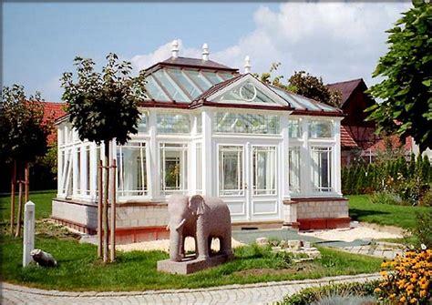Freistehender Wintergarten