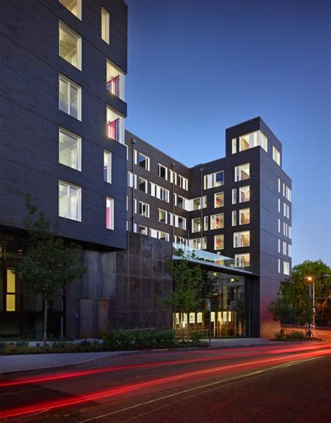 West Campus Student Housing / Mahlum | ArchDaily W G Clark Construction