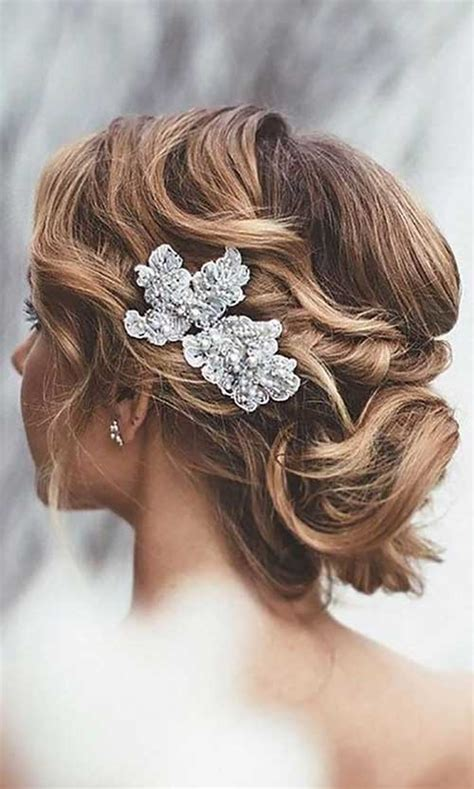 Wedding Hairstyles For Junior Bridesmaids by 25 Bridesmaids Hairstyles For Hair Hairstyles