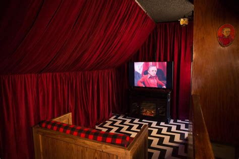 room peaks california hotel features a wide variety of themed rooms