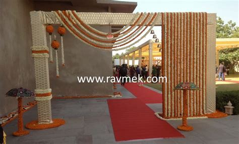 Baraat Welcome Gate at an Indian Wedding   Indian Wedding