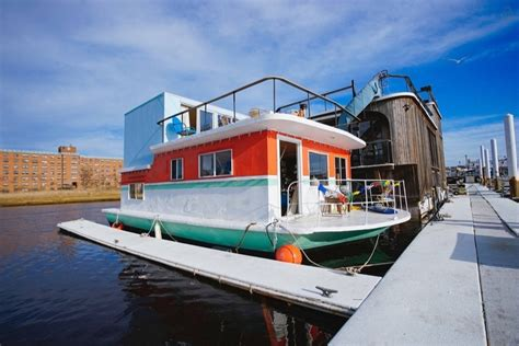 new house boats cozy little houseboat vacation in queens new york