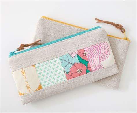 zippered fabric pouch pattern 21 zipper bag sewing tutorials cute easy patterns