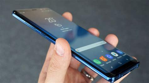 Razer Phone 2 Vs Samsung Galaxy S10 by Galaxy S10 Un Farklı Isimle 199 ıkma Ihtimali Var