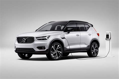 volvo cars aims    cent  vehicles sold   fully electric    electric
