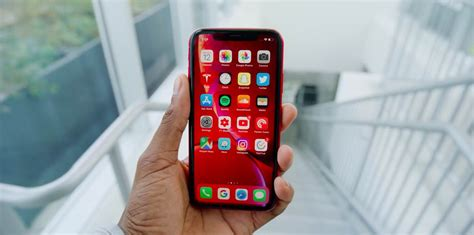 mkbhd s iphone xr review no need to panic