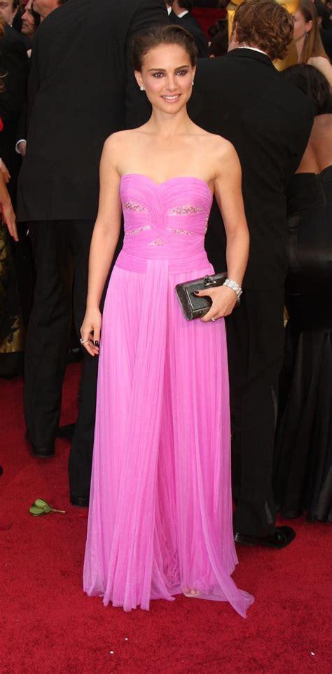 The Oscars Gowns That Wow Ed Bglam by The 25 Best Natalie Portman Oscar Ideas On