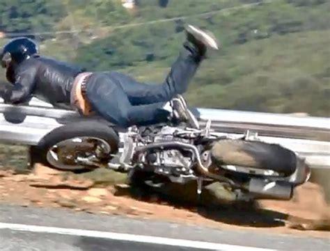 Motorrad Unfall Ktm by Motorrad Crash Snake Diesmal Glaub Ne Ductai Monster Drann