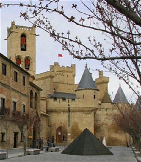 Iglesia De San Pedro Olite Descubre Navarra Turismo Monumentos Visitables Palacio Real De Olite Navarra Es
