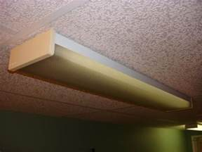 Kitchen Fluorescent Ceiling Light Covers Difficult To Remove Lens From Fluorescent Fixture Doityourself Community Forums