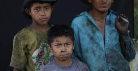 imagenes de niños que trabajan en la calle trabajo infantil y explotaci 195 179 n laboral en el az 195 186 car de