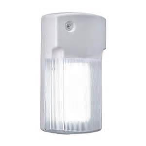 Dust To Dawn Light Buy The Cooper Lighting Regent Fw26pcw Wall Light Dusk To