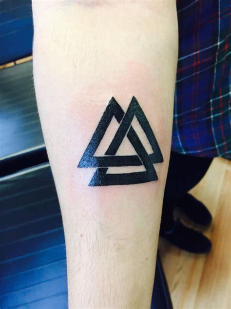 valknut tattoo simple small black valknut tattoo 2 golfian com