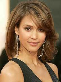 Short hairs with layered crop is a sophisticated look if a woman
