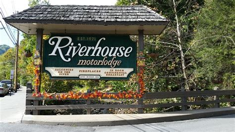 riverhouse motor lodge presuumed area near the river picture of