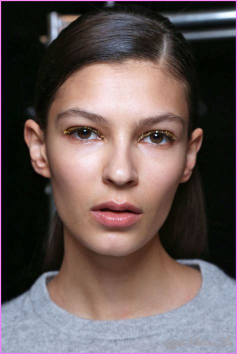 Fall Makeup Trends Gray Shadow by 10 Best Fall Makeup Trends 2017 Latestfashiontips