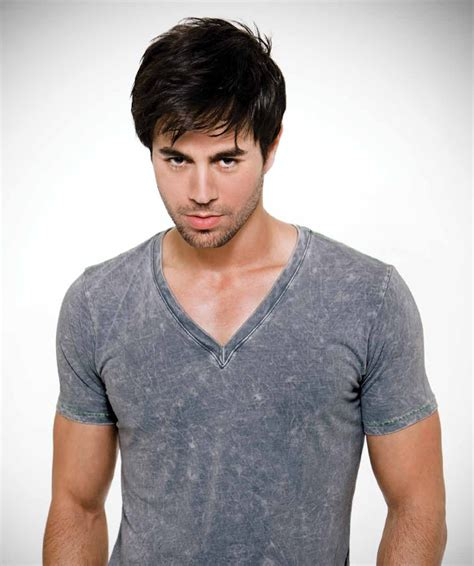 enrique hairstyle enrique iglesias hairstyle makeup suits shoes and